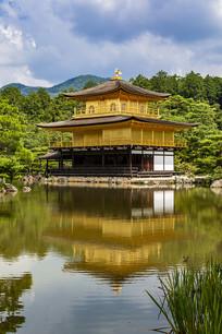 日本京都金阁寺金阁与镜湖池
