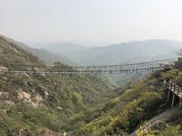 南阳七峰山景区玻璃栈桥
