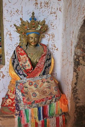 马蹄寺金色佛像