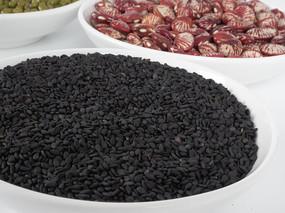 五谷杂粮中的黑芝麻