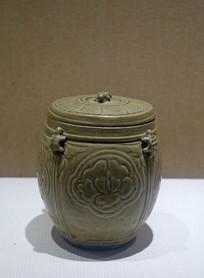 北宋越窑青瓷牡丹纹龟钮盖罐