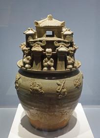 西晉越窯青瓷堆塑罐