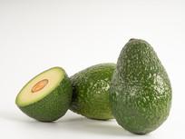新鲜绿色鳄梨图片