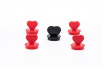 红色的心与黑色的心