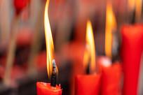 燃烧蜡烛烛光特写