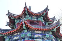 古典彩绘阁楼建筑