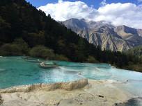 黄龙景区钙化池景观特写