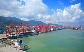 江苏连云港海边港口码头