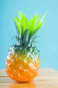 一个菠萝道具