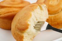 金灿灿的手撕面包