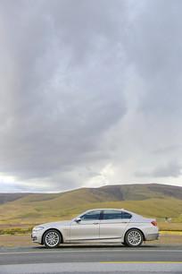 高原上的小汽车