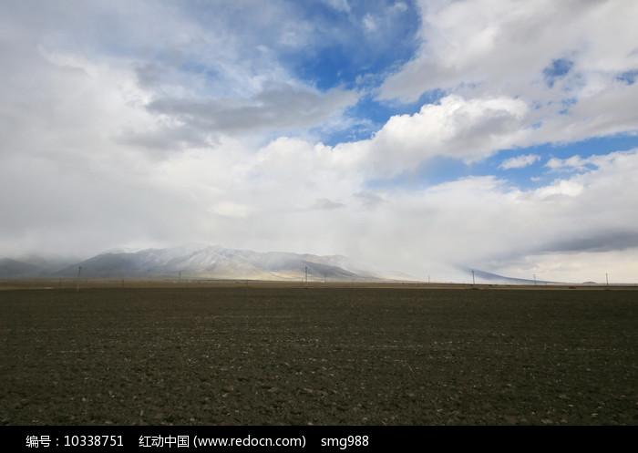 祁连山土地图片