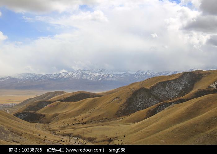 青藏高原祁连山雪山图片