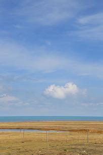 青海湖白云蓝天草甸