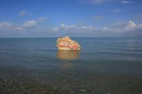 青海湖湖中措日朗嘎石碑