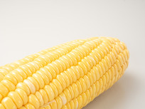 新鲜黄色玉米