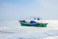 停泊的渔船