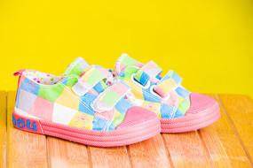彩色儿童板鞋