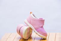粉色儿童鞋