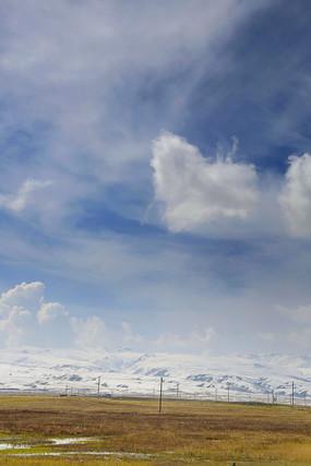 青藏高原雪山风光