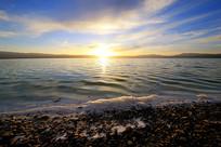 湖面日落美景