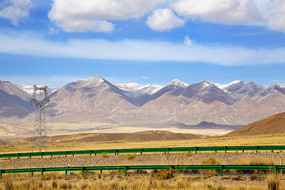 青藏高原高速公路美景