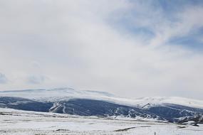 青藏高原雪山