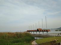 江滩湿地码头风景