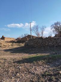 落败的小村落石头墙