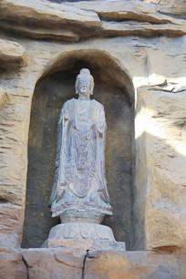 石刻立佛像