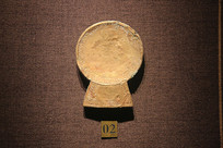 圆形包金铜车饰战国