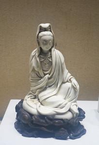 清代德化窑白瓷观音塑像