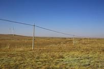 草原电线杆