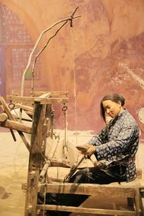 纺织的女人蜡像