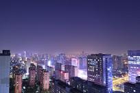 夜晚的高楼大厦