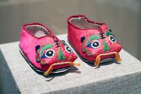 粉色虎头鞋