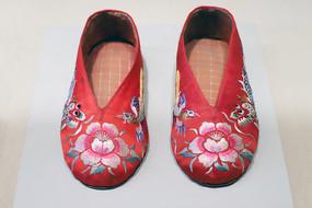 龙凤绣花鞋