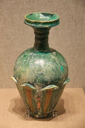绿釉盘口瓶辽代