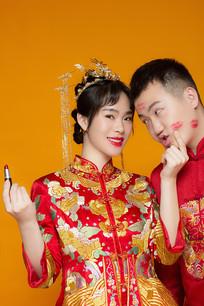 中国风口红印情侣照