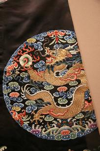 龙纹图案龙袍刺绣
