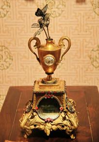 清代金杯座钟