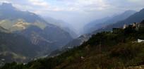 蜿蜒的怒江大峡谷