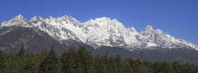 雄伟壮丽的玉龙雪山