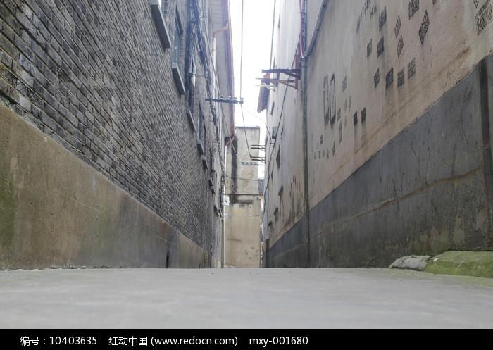 高视角街巷图片