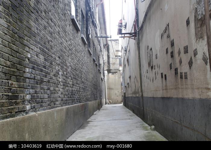 青砖墙街巷图片