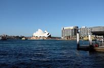悉尼歌剧院远眺