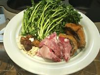 青菜肉类摆盘