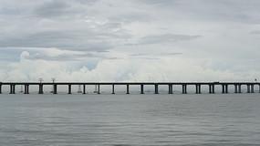 沿江公路西湾公园高架桥