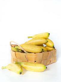 竹篮中的黄色水果芭蕉白底图