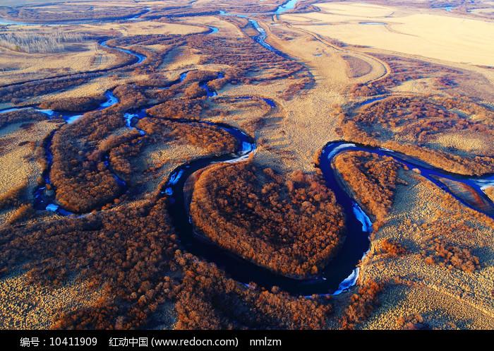 草甸弯曲河流(航拍)图片